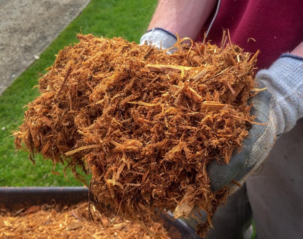 Cedar Mulch installation visit